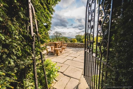 Glenfall House gardens
