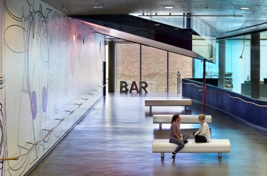 Foyer/Bar