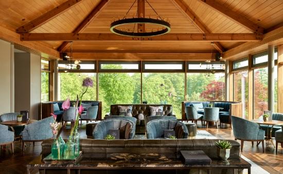 Garden Rooms and Bar