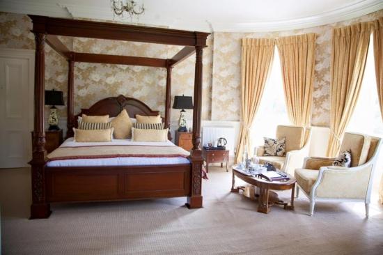 Allingham - Bridal Suite