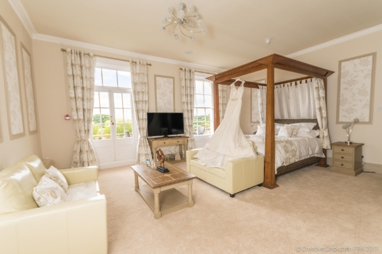Glenfall House bridal suite