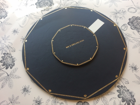 Table planner in green leather with gold tooling